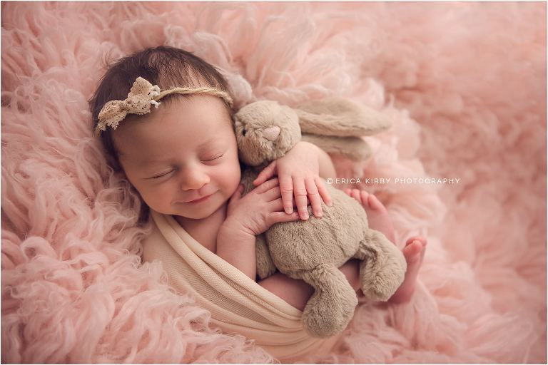 Nwa newborn photographers newborn baby girl photo session in erica kirby photography bentonville studio